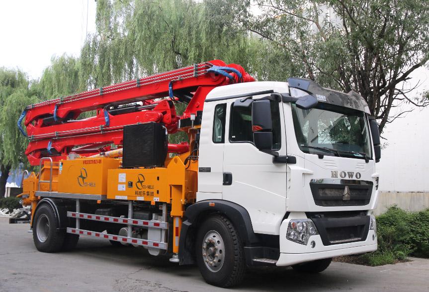 重汽豪沃30米泵车